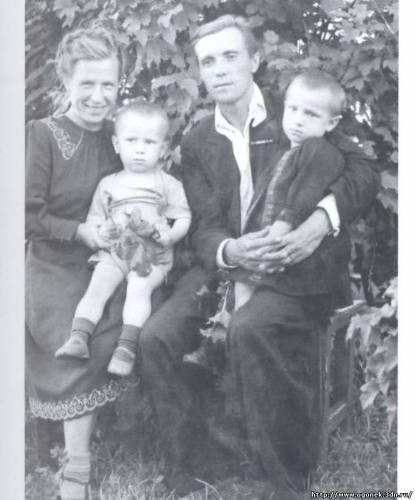 Семья Астафьевых в Чусовом
